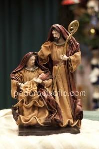 Фигура на Богородица, с младенеца и Йосиф коледна декорация