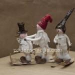 Снежните човеци са оригинална коледна украса
