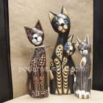 Статуетки на котки с различни размери от магазин за подаръци Gifts