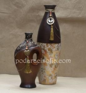 Две оригинални вази от керамика за подарък за жена от магазин за подаръци Gifts