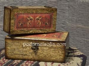 Две дървени кутии за бижута с апликация на слон