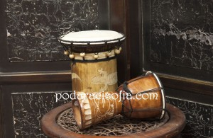 Индонезийски екзотичен музикален инструмент - тарамбука