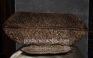 Две дървени фруктиери с различен размер и украса от керамични черупки - за подарък за жена или декорация в дома