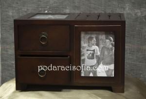Дървена кутия за снимки от магазин Gifts