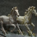 Пластика коне от магазин Gifts