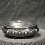 Елегантна кутия за бижута от метал в сребърен цвят с ретро елементи