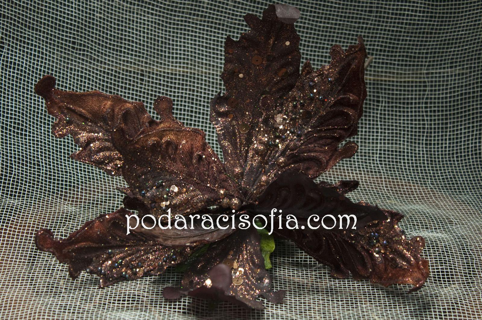 Кафяво цвете за украса за елха от магазин Gifts