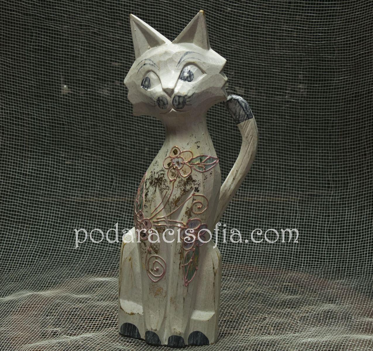 Котка от дърво в бял цвят и украса