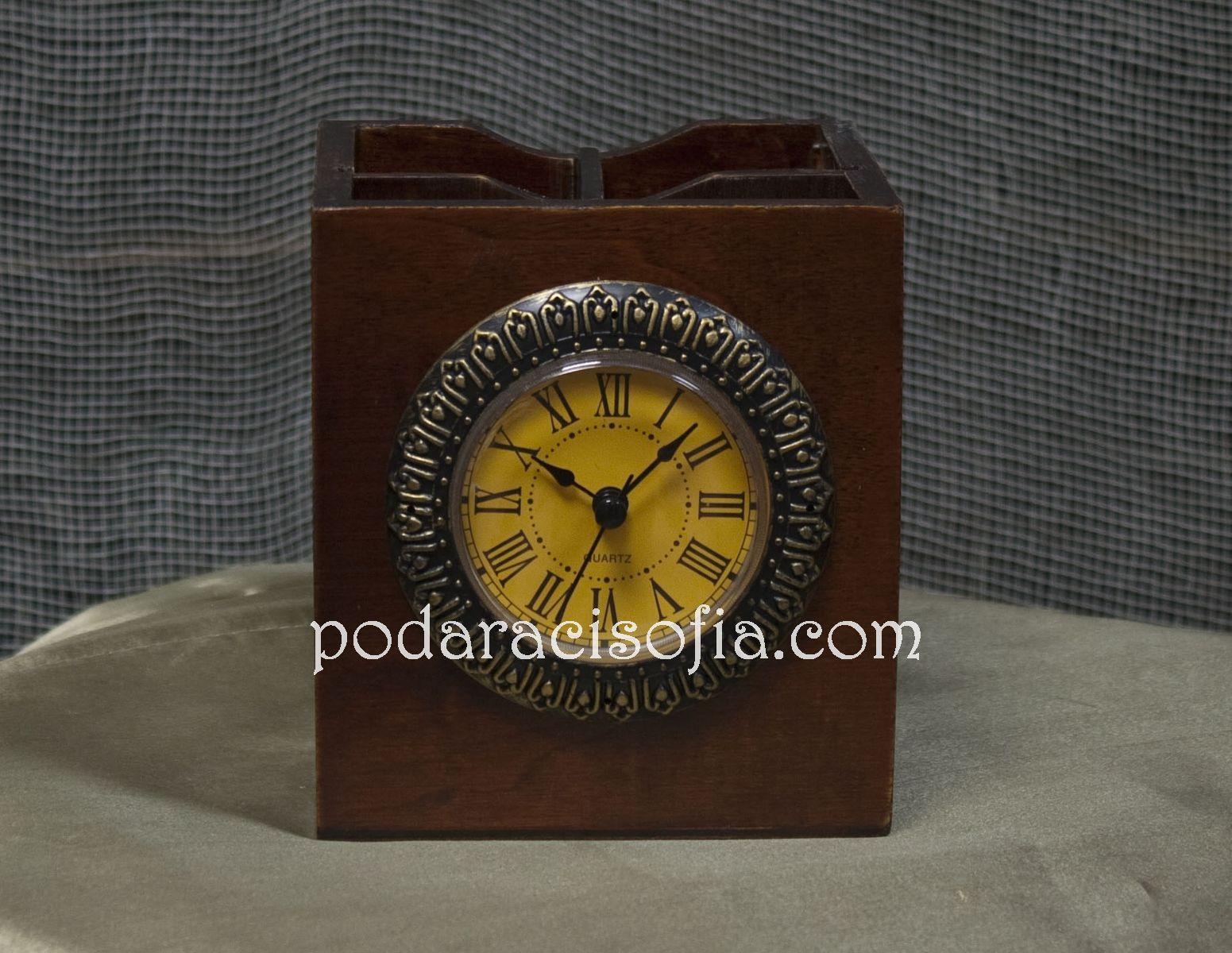 Дървен часовник за бюро отGifts