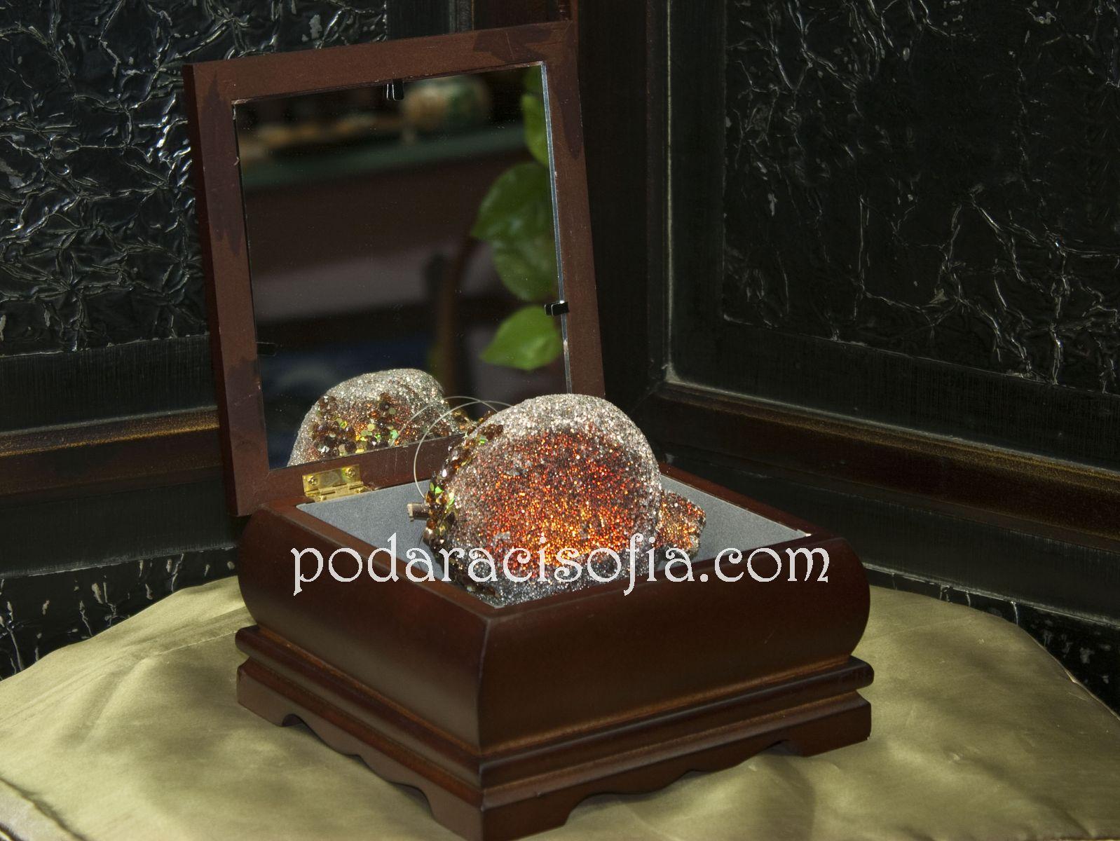 Дървена кутия за бижура с огледало от магазин Gifts