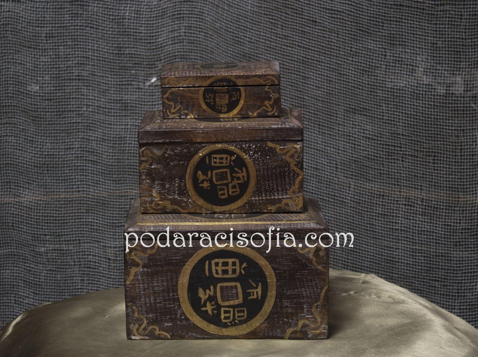 Екзотични дървени кутии за бижута. Три с разлина големина.