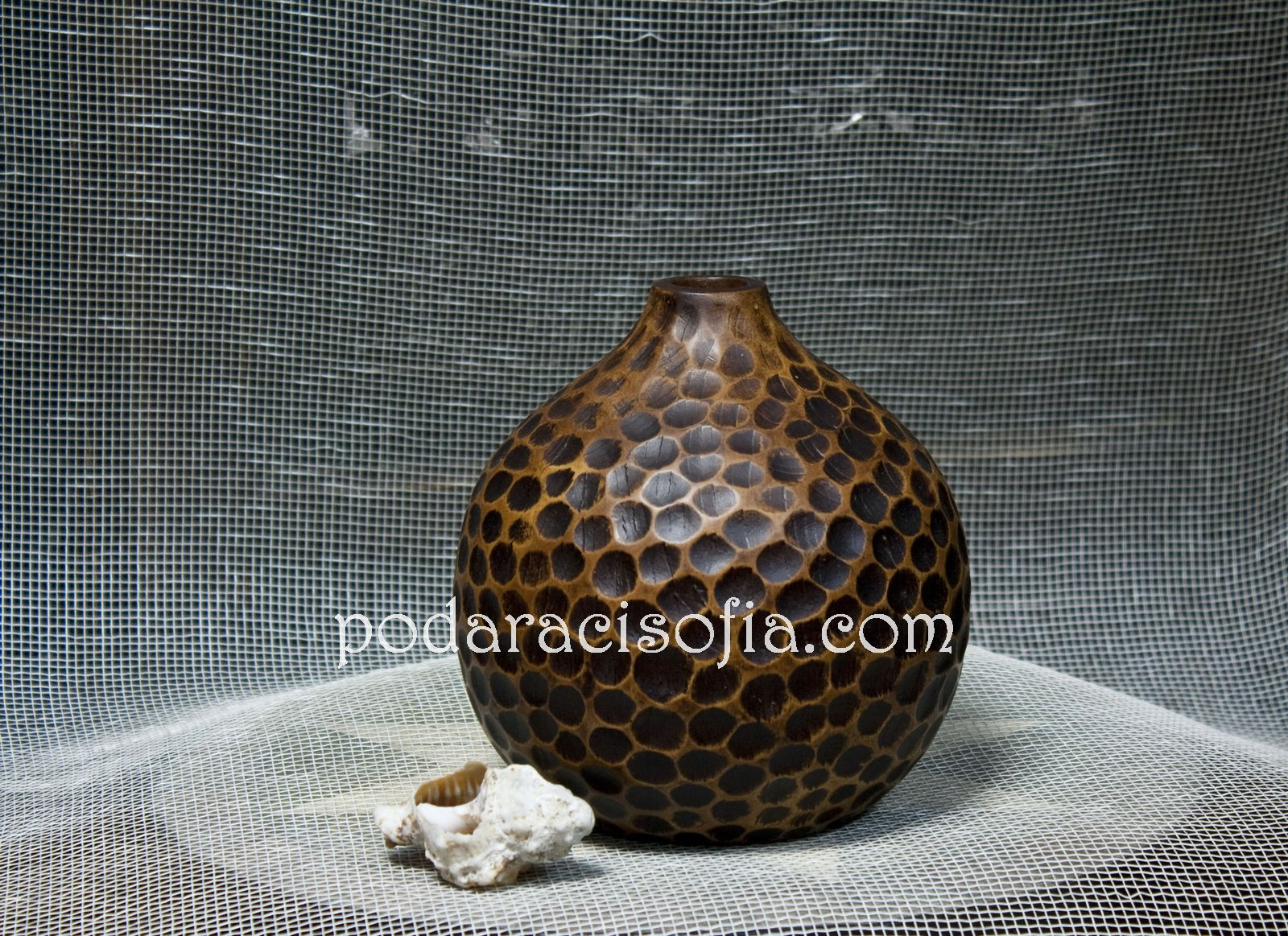 Тумбеста ваза от керамика от Gifts, ниска в светло и тъмно кафяво