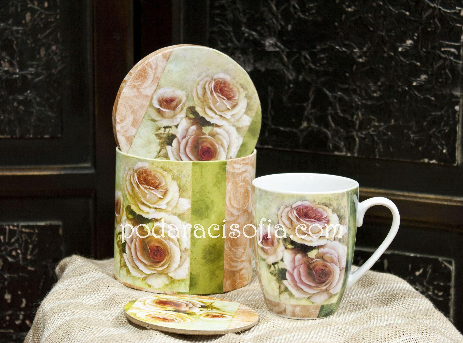 Чаша за чай с цветя от порцелан, в комплект с кутия и поставка за чаша