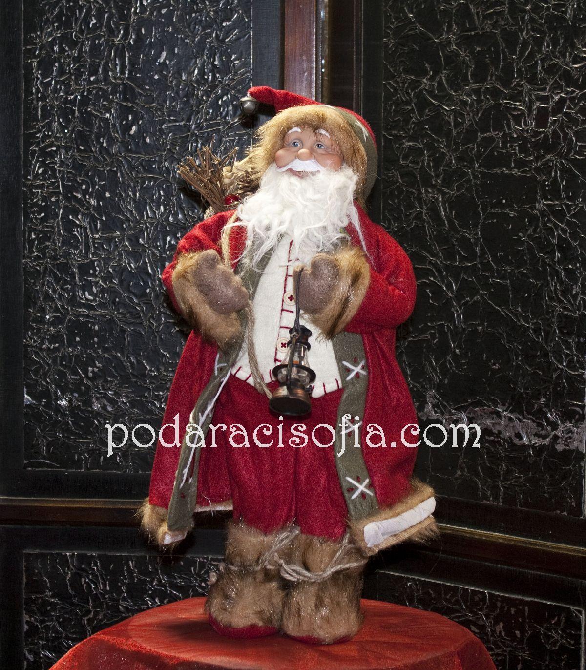 Висока фигура на Дядо Коледа с дрехи от плат и много детайли